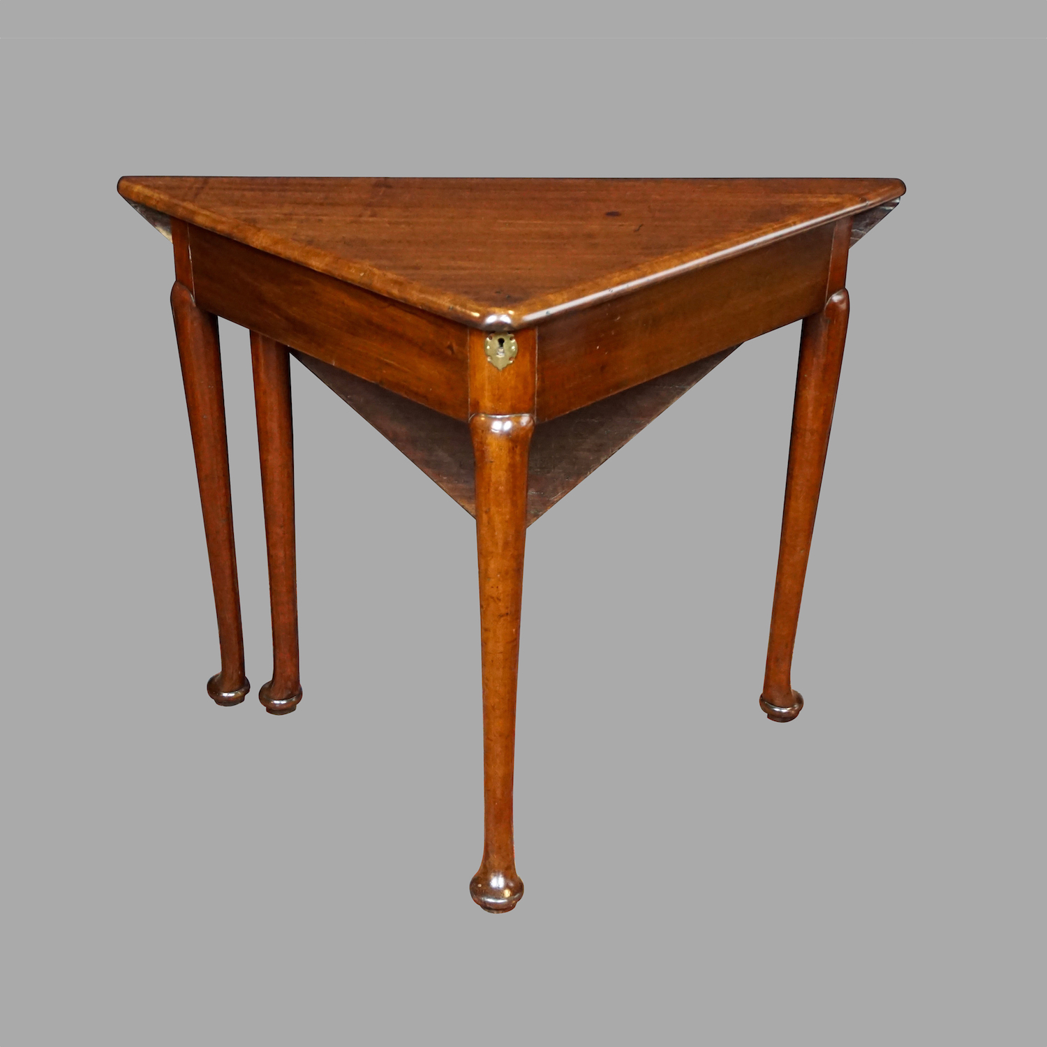 george-ii-corner-envelope-table-f618-8